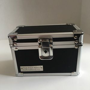 Vaultz Personal Storage Box! It locks!